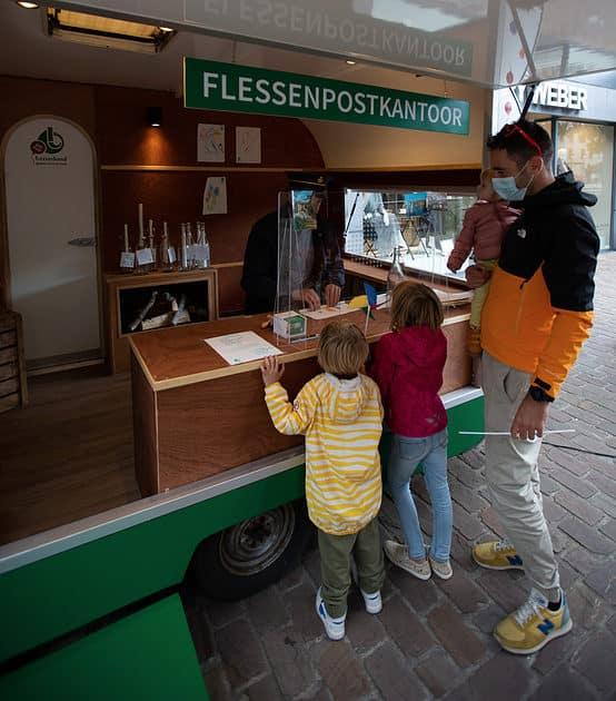 100 jaar Gezinsbond: flessenpostkantoor - Foto Loïc Dillen
