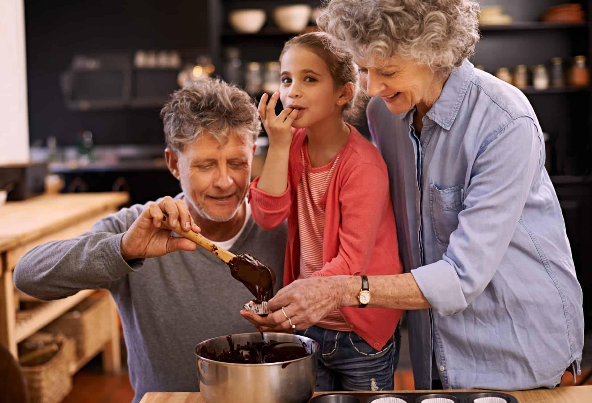 Andere regels bij oma en opa: hoe ga je daar als ouder mee om?