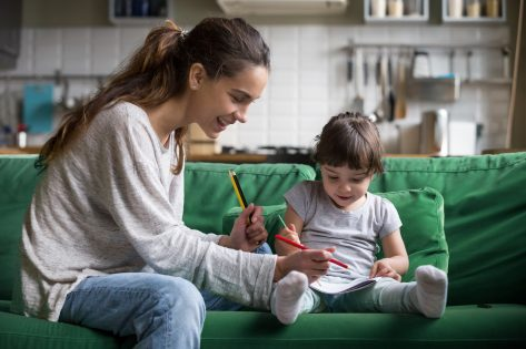 Babysit in coronatijden: Kinderoppasdienst