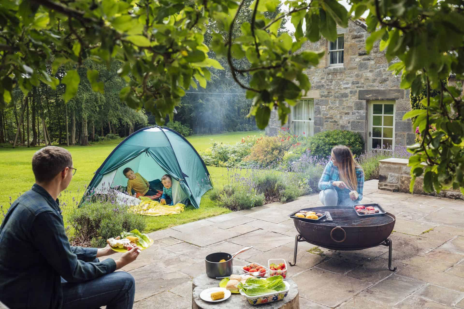 BBQ en vuurkorven: hoe hou je het brandveilig met kinderen?