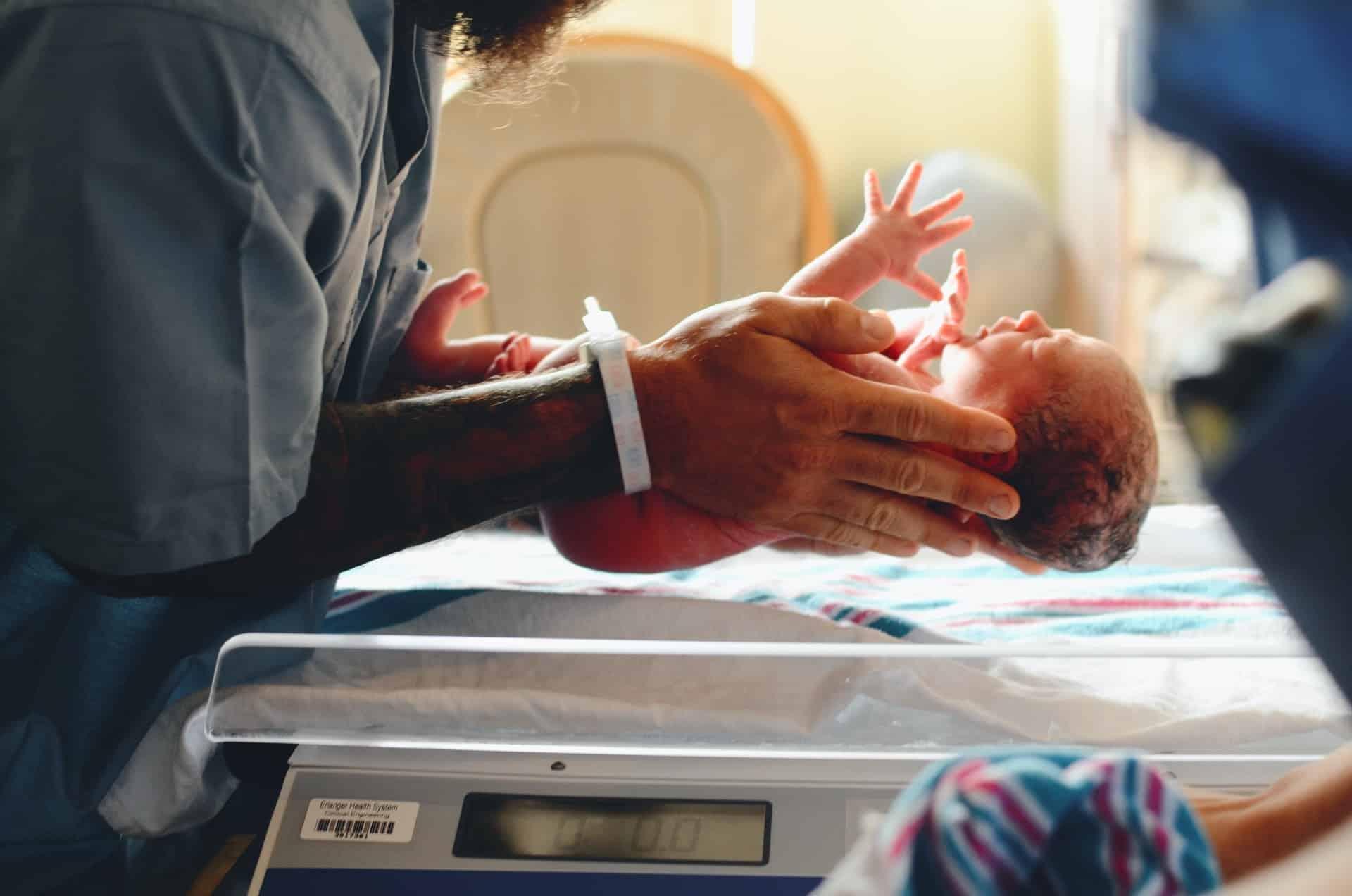 Te vroeg geboren: 'Koestering en hechting zijn van levensbelang'