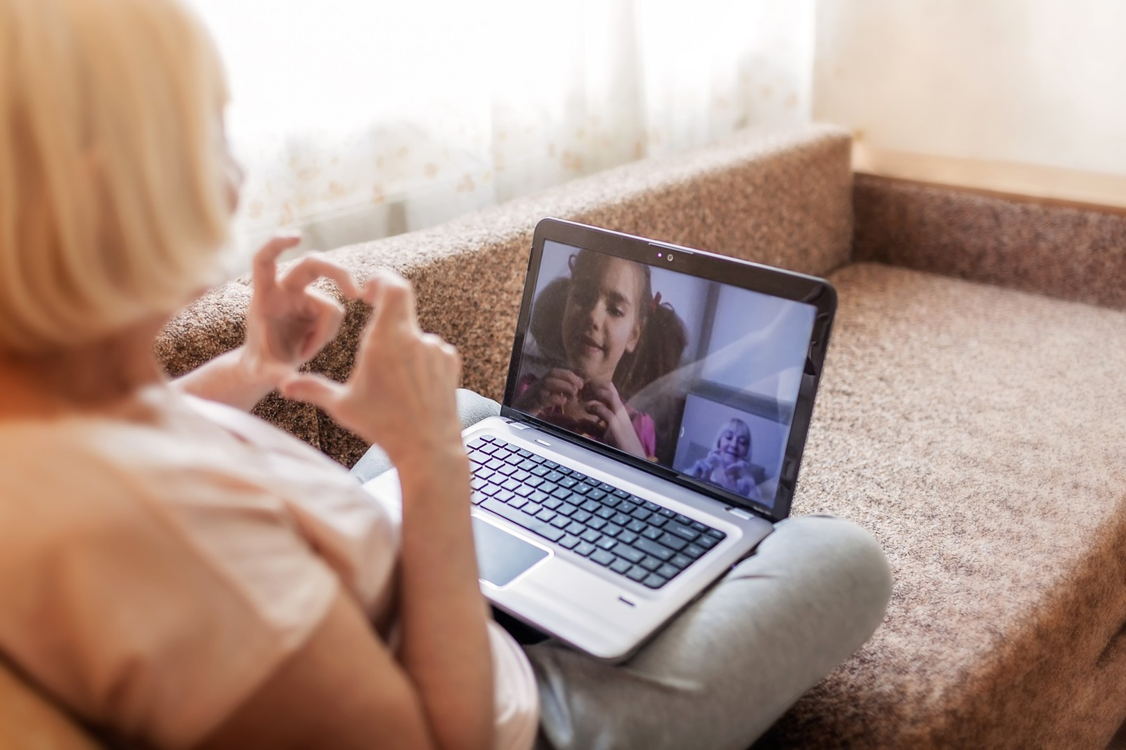 5 leuke manieren om contact te houden met grootouders