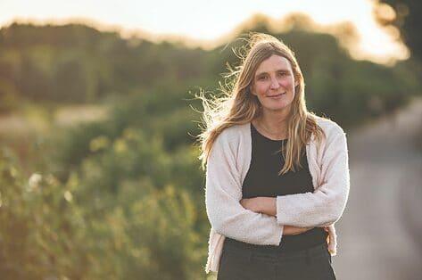 Katrien Lagrou over veilige gehechtheid: 'De vroege kindertijd bepaalt mee hoe iemand als volwassene relaties zal aangaan'