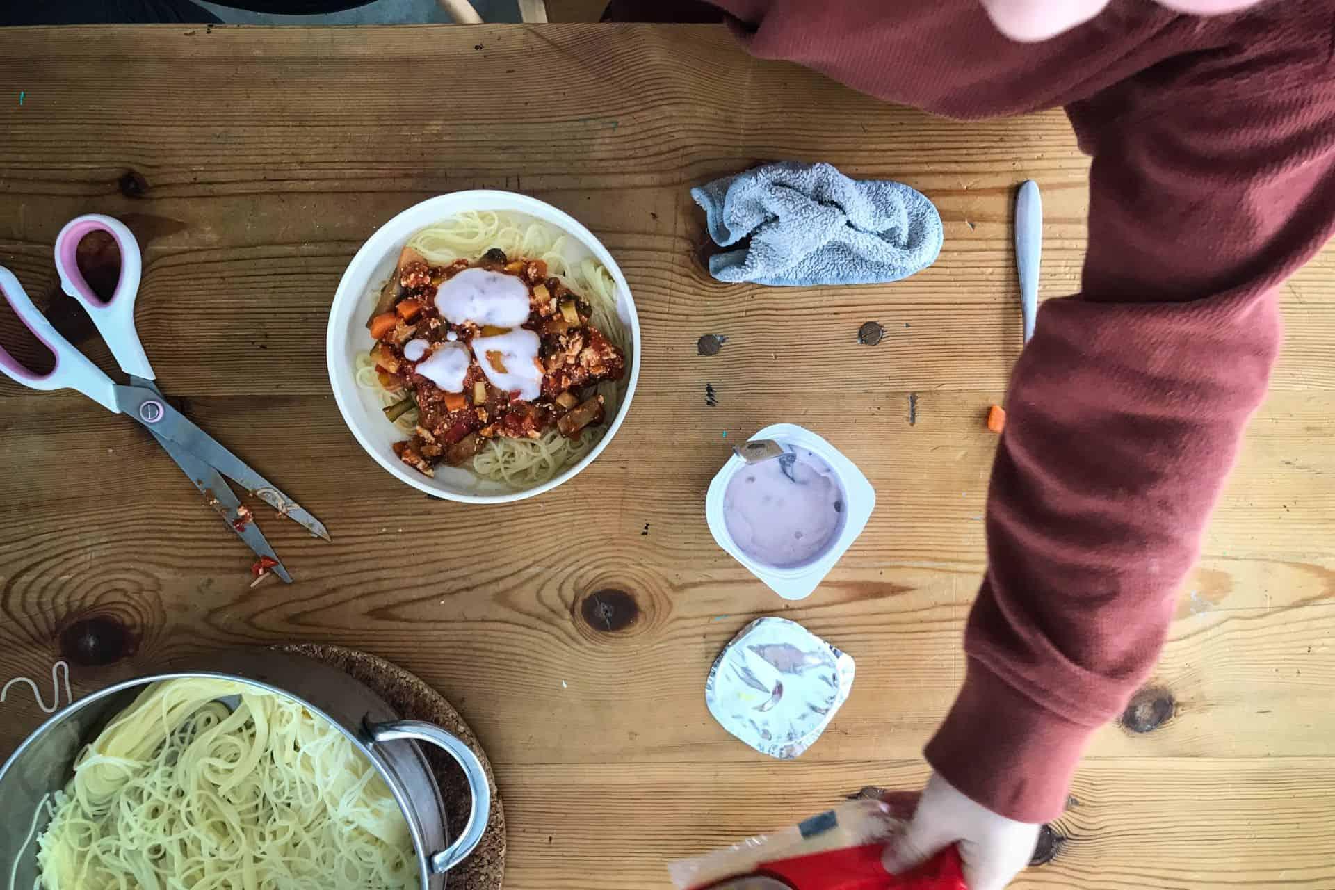 Je kind laten spelen met eten: mag dat of mag dat niet?