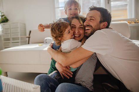 Waarom knuffelen zo belangrijk is voor kinderen
