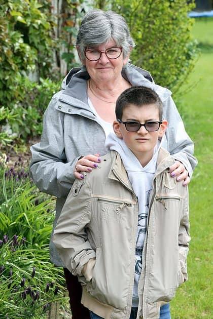 Oma van een kleinkind met autisme: 'Ik smelt als hij om mijn hals vliegt'