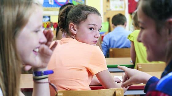 Pesten op school: zo zouden jongeren het aanpakken