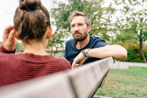 Hoe kan ik met mijn jonge tiener over veilig vrijen praten?