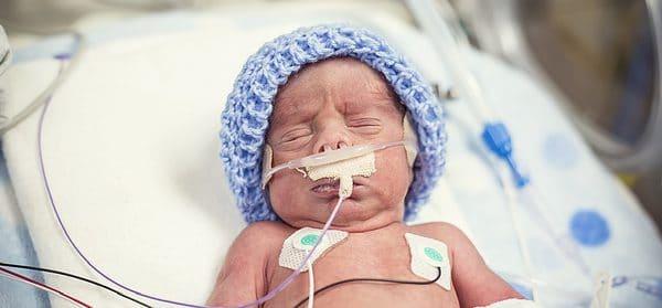 Ouders van een prematuur geboren kindje getuigen