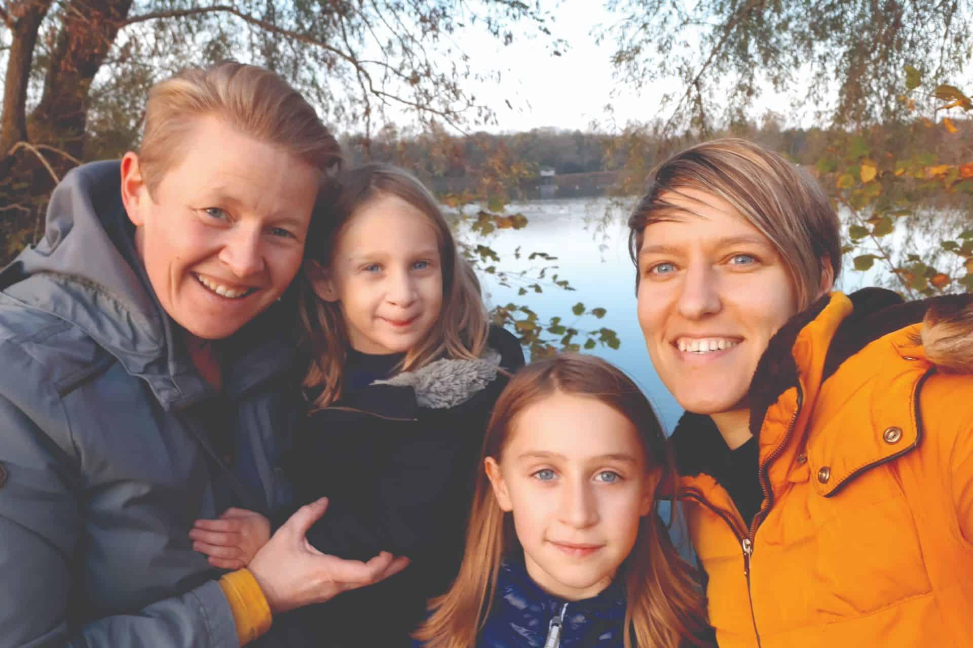 Ellen en Lindsey genieten van hun dagelijkse bad- en bedtijd samen met de kinderen: 'De verhalen komen dan vanzelf'