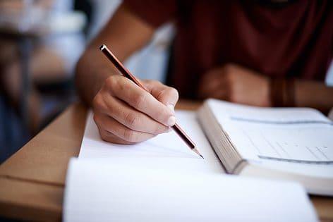 Dringend gevraagd: een lagere schoolfactuur met duurzamer lesmateriaal