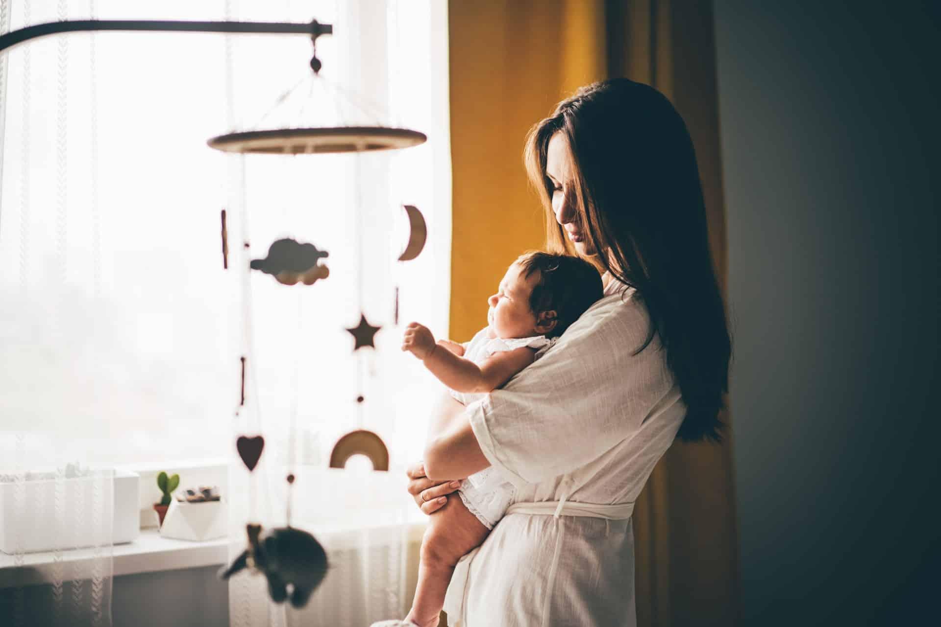 Een slaapritueel bij je baby: wanneer start je ermee?