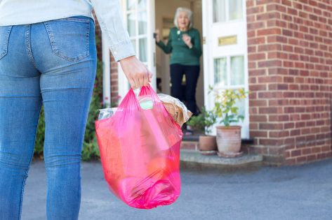 Een helpende hand vanop afstand: lang leve vrijwilligers