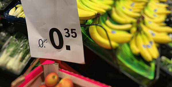 wie betaalt voor de korting in de supermarkt