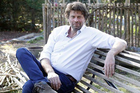 Wim Lybaert over zijn wandelmicrobe: 'Een wandeling aan zee maakt mijn hoofd leeg'