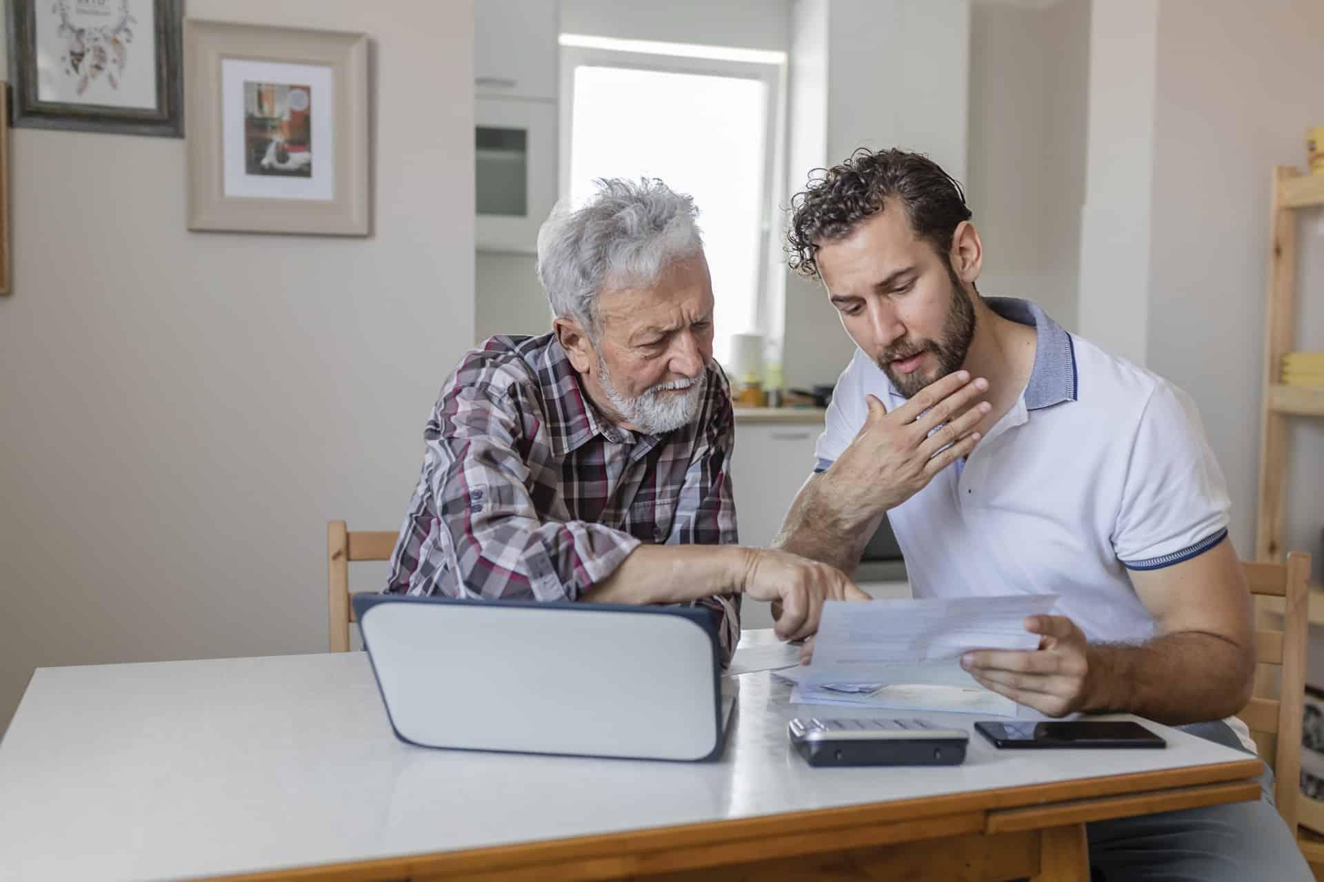Bepaal met een zorgvolmacht zelf wie op je oude dag je zaken regelt